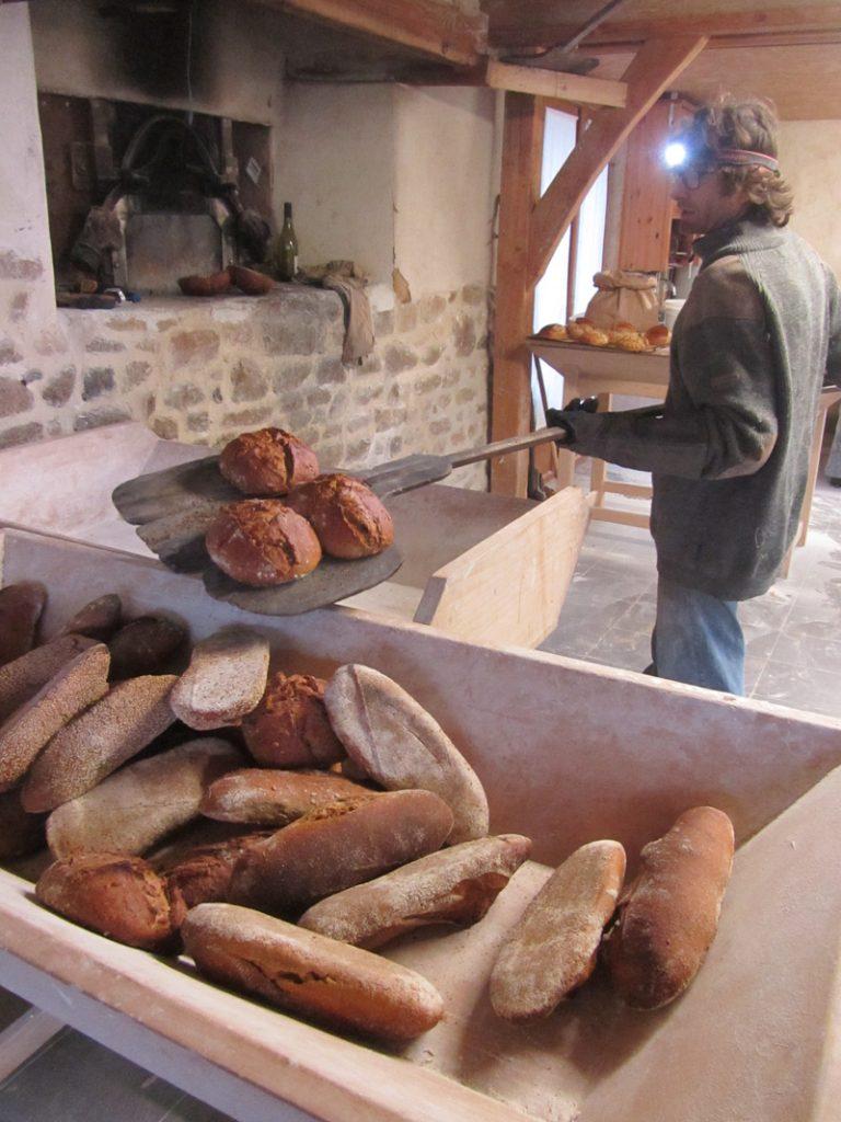 Production du pain à la ferme du Petit Changeons